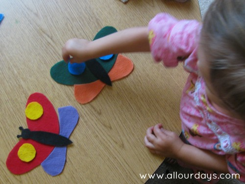 Butterfly Symmetry Bag Modified for Toddlers: 31 Days of Busy Bags & Quiet Time Activities @ AllOurDays.com